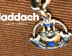 3D print model Charm in argento claddagh - cuore celtico