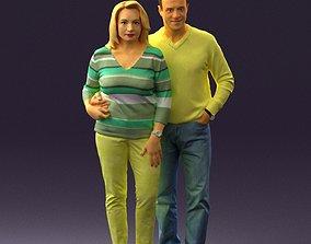 3D Man in yellow top hug his wife 0826
