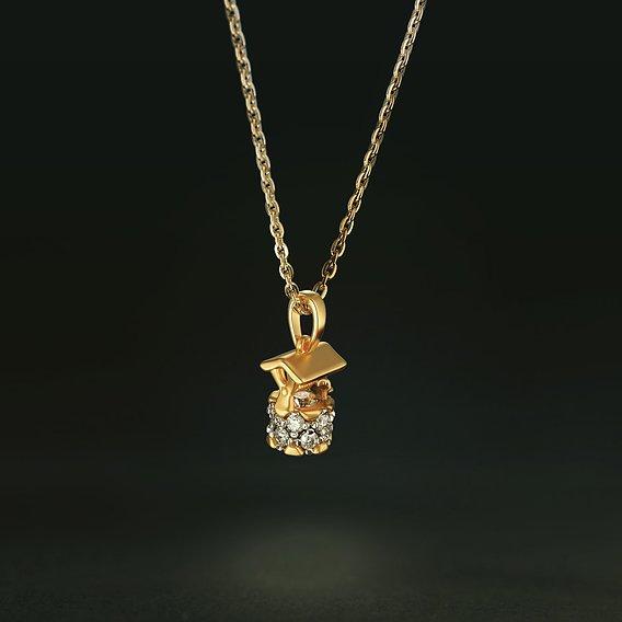 Gold pendant with diamonds