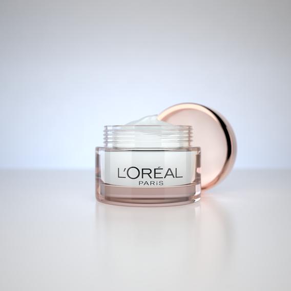 Cosmetic Cream L'Oreal - Studio Lighting